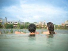 Frühschwimmen Villages Nature® Paris Marne La Vallée Center Parcs