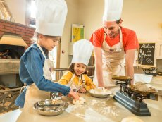 Bread-making classes Villages Nature® Paris Marne La Vallée Center Parcs