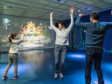 Interactive dancing game Les Trois Forêts Metz Center Parcs