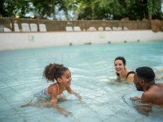 Wave pool Le Lac d'Ailette Laon Center Parcs