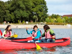 Canoe hire Le Lac d'Ailette Laon Center Parcs