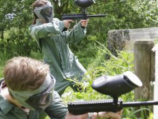 Erwachsene Paintball Le Bois aux Daims Poitiers Center Parcs