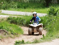 Driving a mini quad Les Ardennes Vielsalm Center Parcs