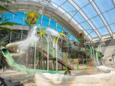 Doppelt Water Playhouse Le Bois aux Daims Poitiers Center Parcs