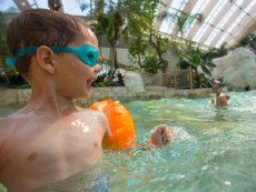 Learn how to swim Le Bois aux Daims Poitiers Center Parcs