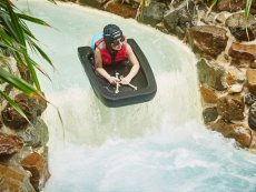 Cool Factor: Wild Water rafting Park Allgäu Leutkirch Center Parcs
