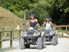 Quad biking Le Lac d'Ailette Laon Center Parcs
