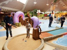 Interaktives Indoor-Minigolf De Vossemeren Lommel Center Parcs