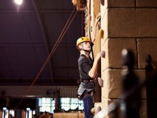 Wall climbing (indoor) De Eemhof Zeewolde Center Parcs