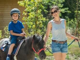 Pony rijden Les Trois Forêts Metz Center Parcs