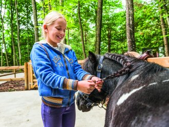 Budding pony rider Les Bois-Francs Verneuil sur Avre Center Parcs