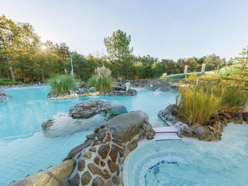 Vakantiepark les hauts de bruy res chaumont sur tharonne for Piscine center parc sologne