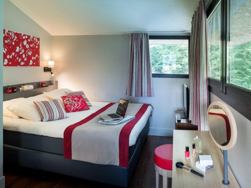 cottage domaine les bois francs. Black Bedroom Furniture Sets. Home Design Ideas